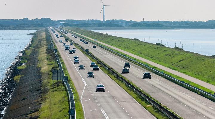 Versterking Afsluitdijk: omgevingsmanagement in bijzondere omgeving