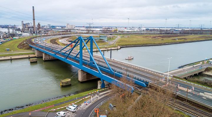 Aanbesteding renovatie Suurhoffbrug